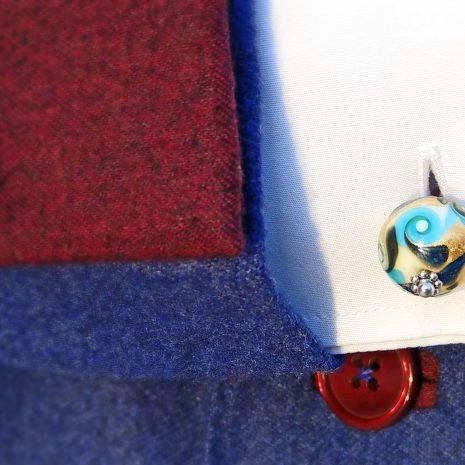 Boutons de manchette en verre de Murano, soufflé au chalumeau, couleur aigue-marine, feuille blanche et or 24 ct.